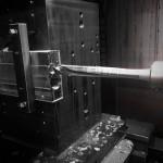 Aluminiumblöcke mit langen Durchgangsbohrungen